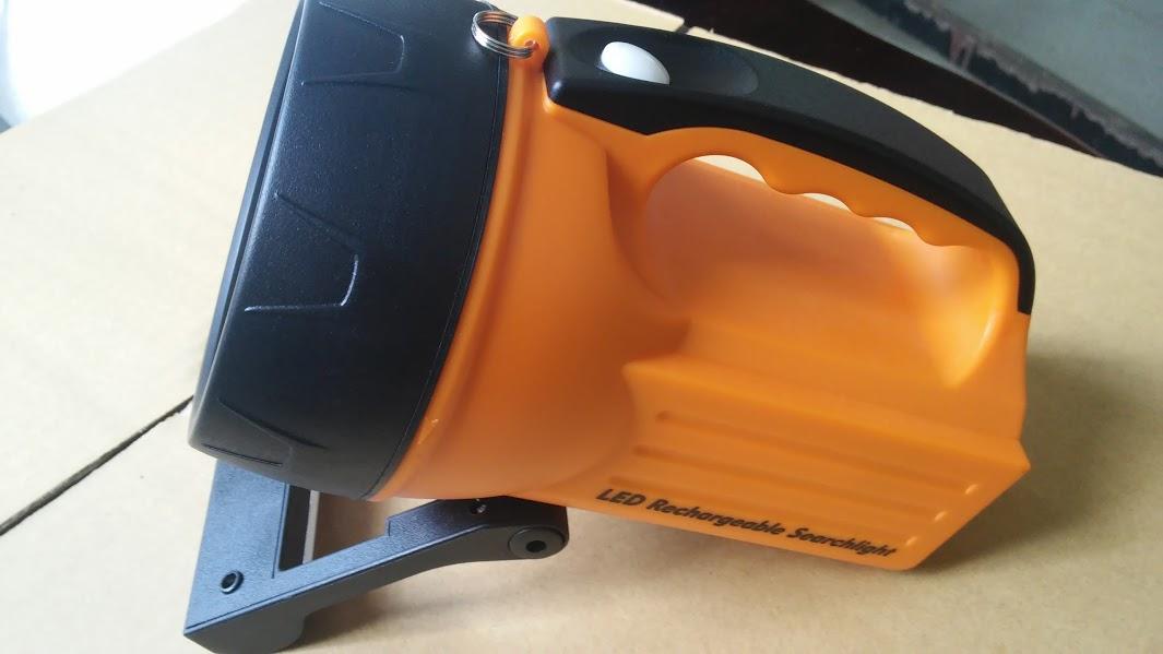 Đèn pin Wasing WSL-827 10W